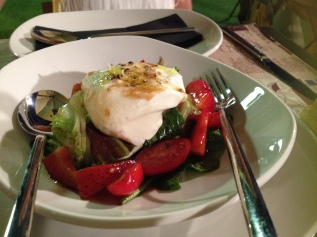 Burrata salad with strawberries